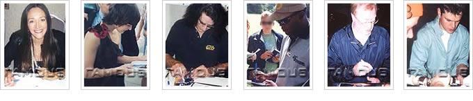 サイン中写真